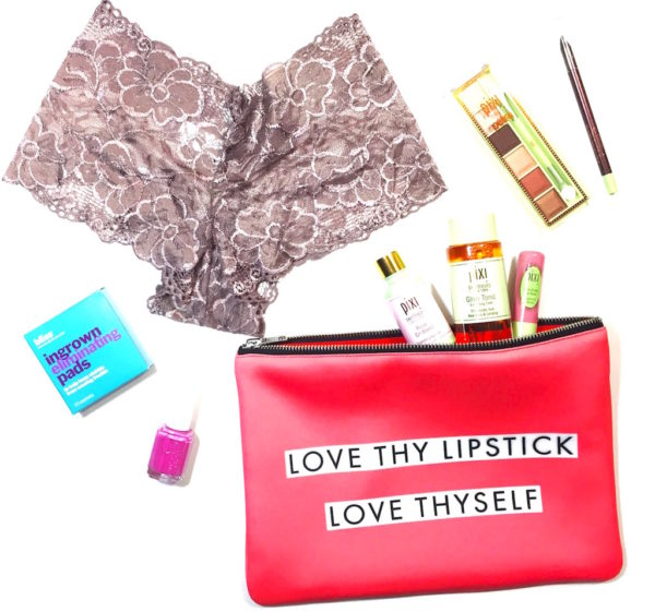 Valentine's-day-gift-ideas-for-her-pampering-kit