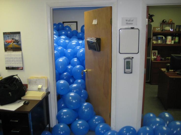 surprise-balloon