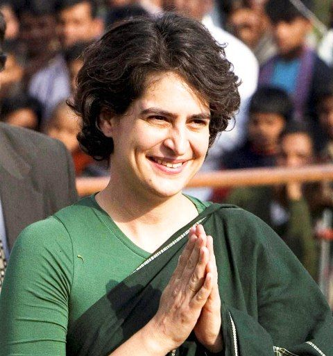 Priyanka-Gandhi-Popular-Alumni-of-Jesus-and-Mary-College